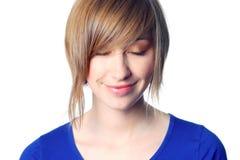 Mooie jonge vrouw met gesloten ogen stock foto's