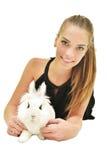 Mooie jonge vrouw met haar konijntje Stock Afbeelding