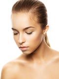 Mooie jonge vrouw met perfecte huid Royalty-vrije Stock Foto's