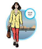 Mooie jonge vrouwen in vrijetijdskleding op stadsachtergrond Royalty-vrije Stock Afbeelding