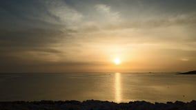 Mooie 4k timelapse van zonsondergang bij Adriatische Overzees in Kroatië Europa stock video