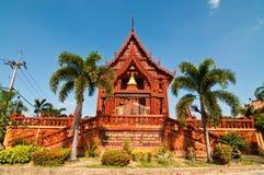 Mooie kerk die van terracotta wordt verfraaid Stock Fotografie