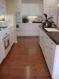 Mooie Keuken met Vloeren royalty-vrije stock foto's