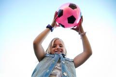 Mooie kinderen die pret in het park hebben Stock Foto's