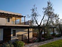 Mooie klassieke Mediterrane tuin Royalty-vrije Stock Foto's