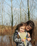 Mooie kleine zusters royalty-vrije stock foto's