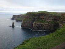 Mooie Klippen van Moher in Ierland dichtbij Doolin stock afbeeldingen
