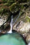 Mooie kreken van water hurst van Sunik, Slovenië stock foto's
