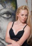 Mooie kunstenaar in de studio Royalty-vrije Stock Fotografie