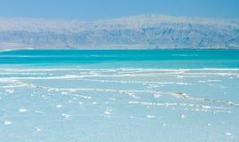 Mooie kust van het Dode Overzees Stock Afbeeldingen