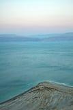Mooie kust van het Dode Overzees Stock Foto's