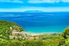 Mooie kustlijnen in het eiland van Elba. stock afbeeldingen