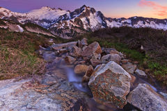Mooie landschap en waterval Royalty-vrije Stock Fotografie