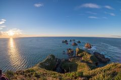 Mooie landschapsachtergrond van Goudklompjepunt, Nieuw Zeeland royalty-vrije stock afbeelding