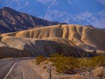 Mooie landschapsroute door het Nationale Park van de Doodsvallei in Californië Royalty-vrije Stock Foto