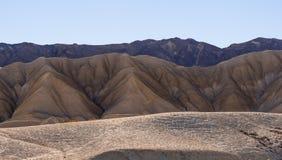 Mooie landschapsroute door het Nationale Park van de Doodsvallei in Californië Stock Foto's