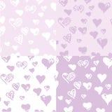 Mooie lilac achtergrond van geschilderde harten Stock Foto's