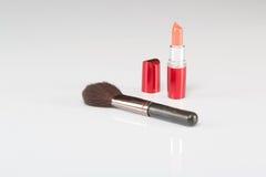 Mooie lippenstift en Make-upborstel Royalty-vrije Stock Afbeelding