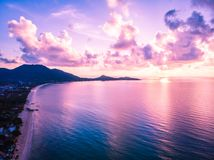 Mooie luchtmening van strand en overzees of oceaan in koh samui isl Royalty-vrije Stock Fotografie