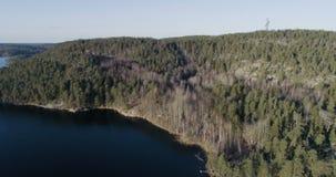 Mooie luchtvideo van Agelsjon, Norrkoping, Zweden, Scandinavië stock video