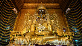 Mooie Mahamuni Boedha in Yangon Stock Afbeeldingen