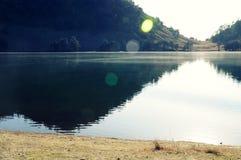 Mooie meer en berg Stock Fotografie