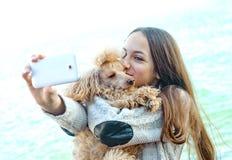Mooie meisje genomen beelden van zelf haar royalty-vrije stock fotografie