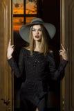 Mooie meisje of vrouw in de hoed Stock Afbeeldingen