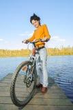 Mooie meisjes berijdende fiets Royalty-vrije Stock Fotografie