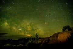 Mooie Melkachtige die manier bij Bogen Nationaal Park Utah wordt geschoten de V.S. Van de het lage lichtverontreiniging van Utah  stock foto