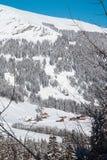 Mooie mening aan de winter Zwitserse Alpen, Adelboden Stock Fotografie