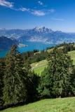 Mooie mening aan het meer en berg Rigi van Luzerne Stock Afbeelding