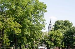 Mooie mening over Sahat-toren in Belgrado Servië stock foto's