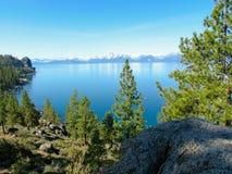 Mooie mening van bovengenoemd meer Tahoe, Sierra Nevada Royalty-vrije Stock Foto's