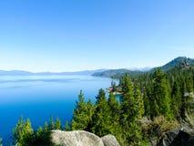 Mooie mening van bovengenoemd meer Tahoe, Sierra Nevada Royalty-vrije Stock Fotografie