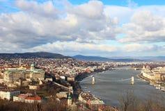 Mooie mening over de rivier en Boedapest van Donau Royalty-vrije Stock Foto's