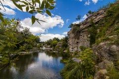 Mooie mening van de rivier van rhehirskiy Tikich en de canion van Buky, Buky, de Oekraïne stock fotografie