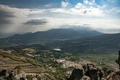 Mooie mening van de Vallei van Afgietsels op Onderstel Demerzhi royalty-vrije stock foto's