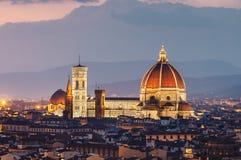 Mooie mening van Florence in zonsondergang stock afbeeldingen