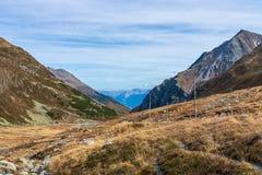 Mooie mening van Fluela-Pas dichtbij Davos - Grisons, Zwitserland royalty-vrije stock afbeelding