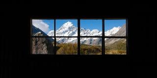 Mooie mening van het Nationale Park van Cook van het Onderstel, het Eiland van het Zuiden, Nieuw Zeeland wanneer hoewel venster zi Stock Fotografie