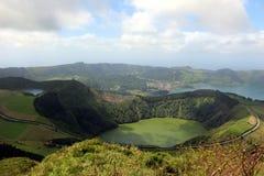 Mooie mening van het ronde meer van Santiago in de buurt van de nabijheid van Sete Cidades stock afbeelding