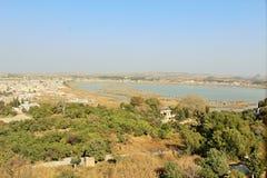 Mooie mening van kalar kahar meer in Punjab stock foto