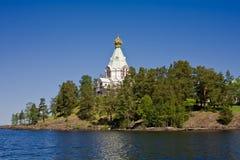 Mooie mening van Orthodox klooster op eiland Valaam Royalty-vrije Stock Afbeeldingen