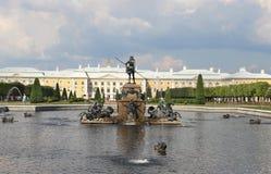 Mooie mening van Petergof Heilige Petersburg royalty-vrije stock fotografie