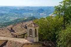 Mooie mening van San Marino - achtergrond royalty-vrije stock fotografie