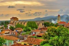 Mooie mening van Trinidad Cuba onder een grote hemel bij zonsondergang Stock Afbeelding