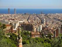 Mooie mening van vele huizen in het centrum van Barcelona op een heldere Zonnige dag stock foto