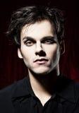 Mooie mens alvorens een vampier te worden stock afbeeldingen