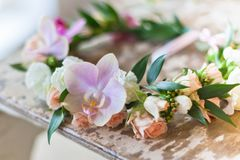 Mooie met de hand gemaakte bloemenkroon stock afbeelding